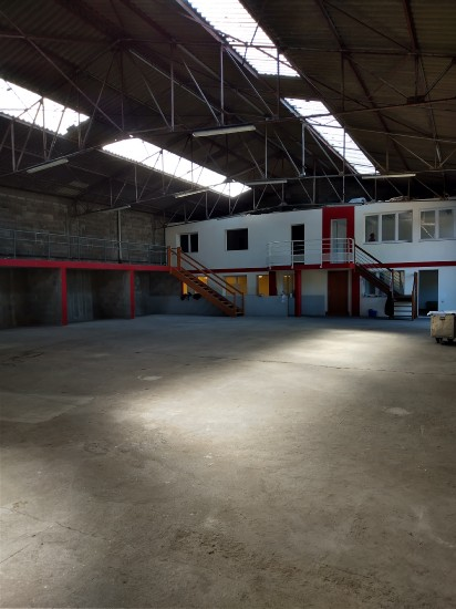 location local commercial CHOLET 5 pieces, m